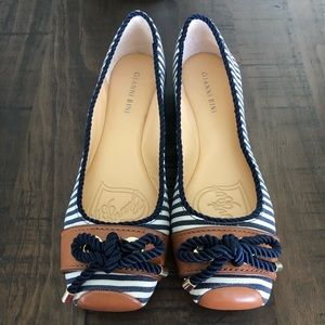 Gianni Bini Nautical Navy White Flat (size 10)